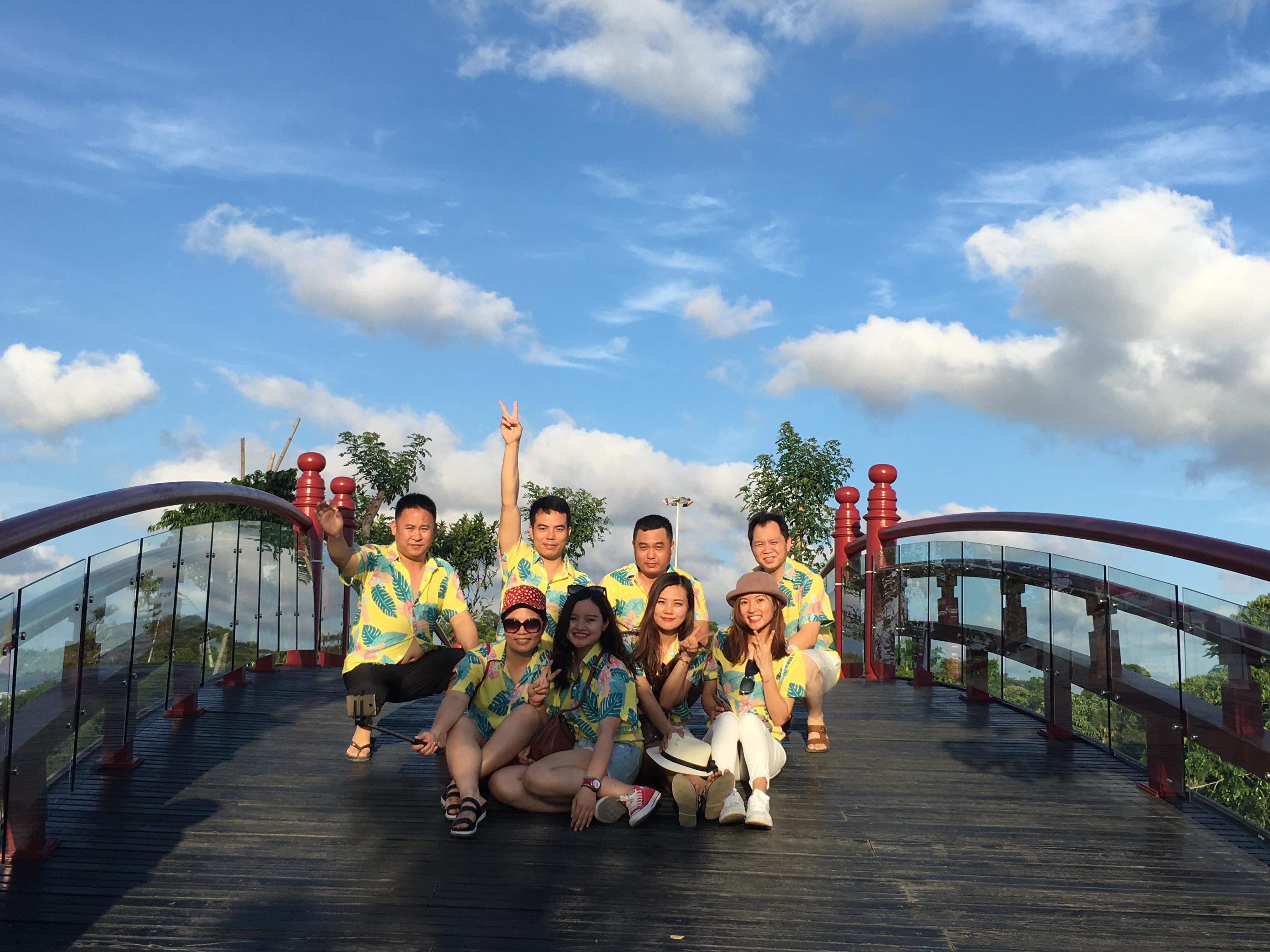 A Bo Luo tổ chức du lịch Vịnh Hạ Long hè 2018